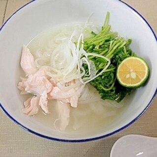 鶏ささみと豆苗のフォー(1人前250kcal)