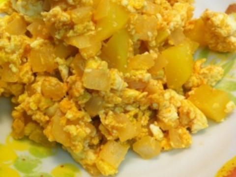 じゃが豆腐のケチャップ卵炒め
