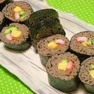バラバラ茹でた蕎麦が整列っ*案外簡単!蕎麦寿司