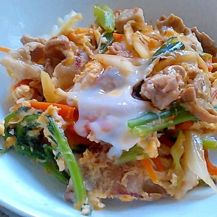 簡単節約!豚肉と彩り野菜の卵とじ