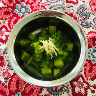 若返りの野菜ケールとジャガイモのカレー