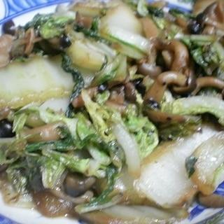 白菜としめじの手軽な炒め物