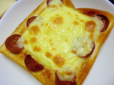 簡単♪朝ごパン♪サラミとチーズのトースト