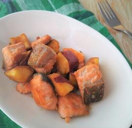 鮭とさつまいものサイコロステーキ~味噌風味~