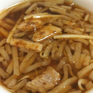 もやしとにんじんの中華風スープ