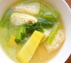 小松菜とさつまいもの味噌汁