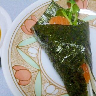 簡単♪かいわれ大根とサーモンとシラスの手巻き寿司
