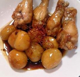 里芋と鶏手羽元の煮物♪