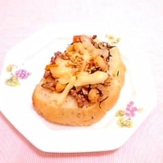 ひじきの炒め煮リメイク♪チーズトースト