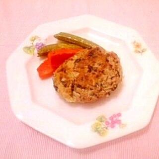 緑茶風味♪キャベツとひき肉のおからハンバーグ