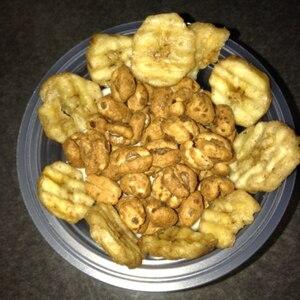 バナナチップとシリアルの蜂蜜ヨーグルト