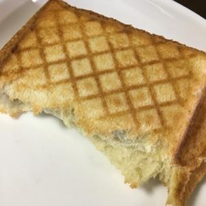 """忙しい朝に♪我が家の""""ハムとチーズのホットサンド"""""""