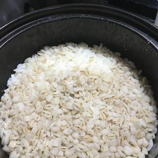 ニュートーセラム鍋で時短麦ご飯
