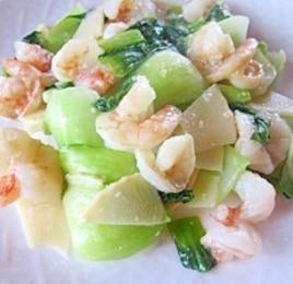 チンゲン菜とむきえびの塩麹炒め