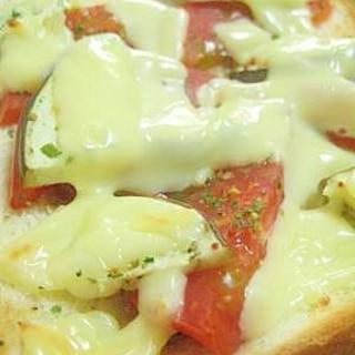 贅沢♪トマトとなすのチーズトースト